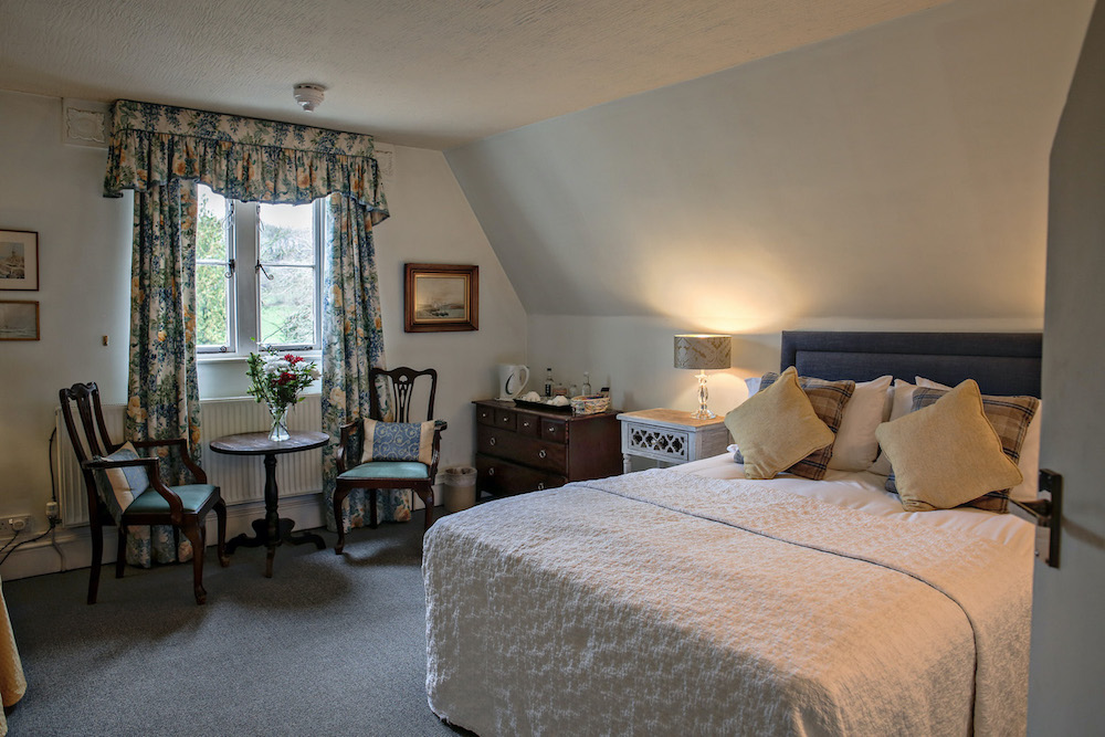 Bed and breakfast double room b&b accommodation in Hampshire.