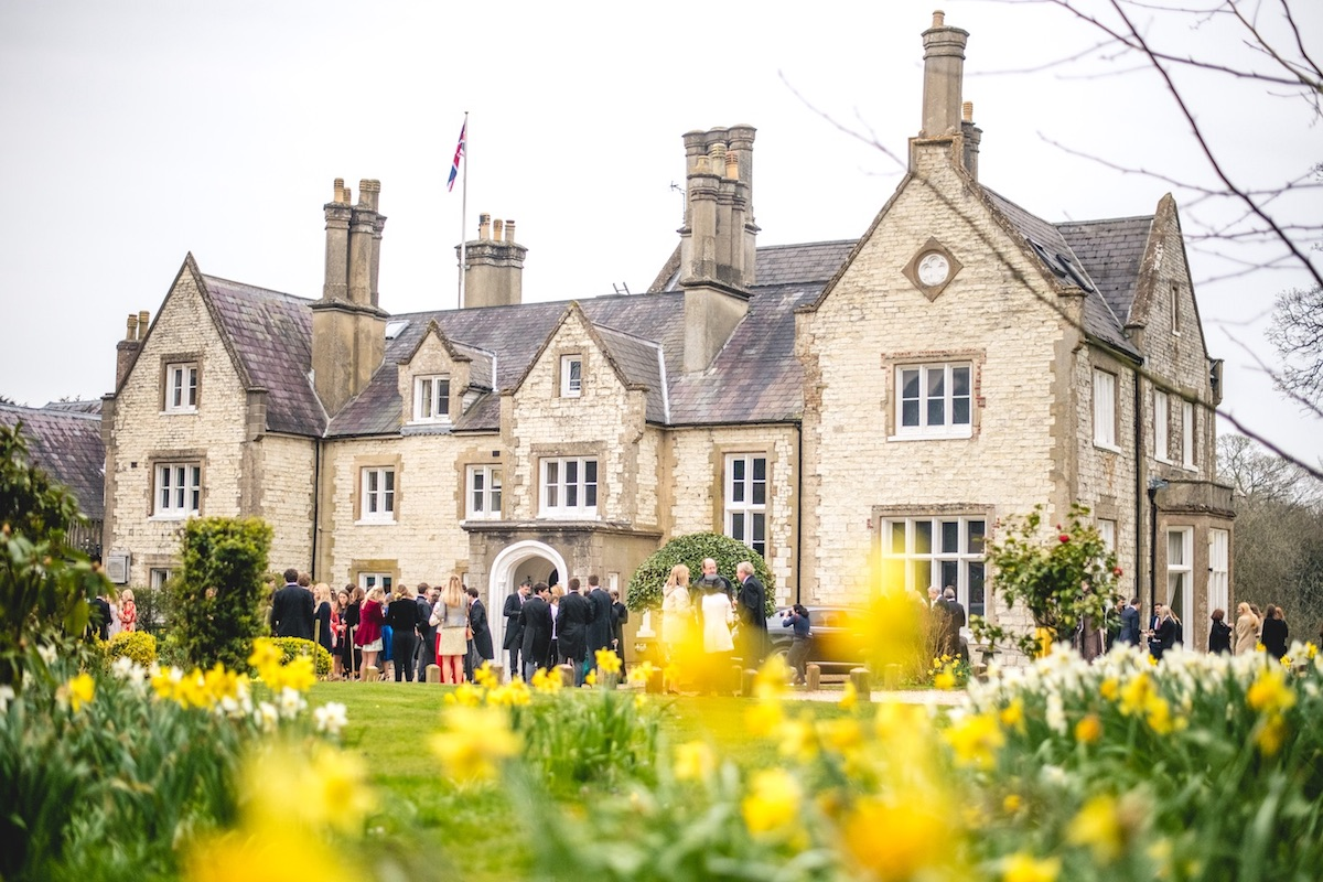 Wedding venue in Petersfield with a beautiful spring time wedding with daffodils
